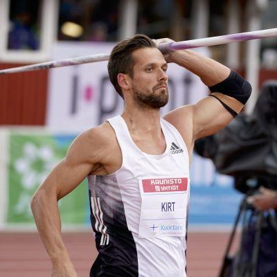 Magnus Kirt heitti Kuortaneella ennätyksekseen 90,61.