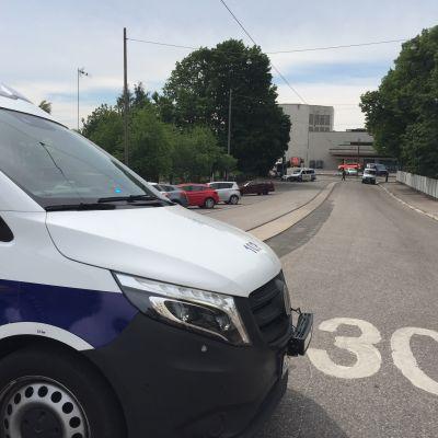 Poliisiauto Helsingin kaupunginteatterilla
