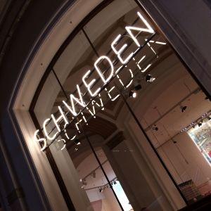 Neonskylt ur utställningen Der Luthereffekt i Berlin