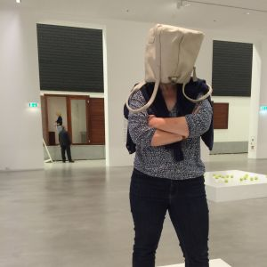 Erwin Wurm: One Minute Sculptures