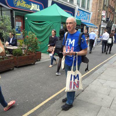 Nigel Warner kampanjar inför folkomröstningen om brexit i Storbritannien.