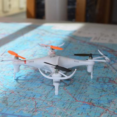 en liten quadkopter