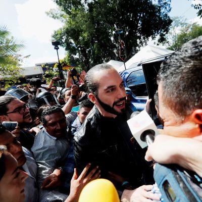 El Salvadorin tuleva presidentti Nayib Bukele kävi sunnuntaina itsekin äänestämässä.