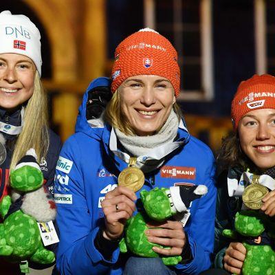 Ingrid Landmark Tandrevold, Anastasija Kuzmina ja Laura Dahlmeier