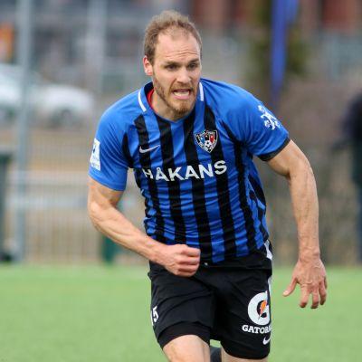Timo Furuholm, FC Inter, kapteeni.