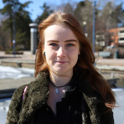 Christa Mikkola Sapokan vesipuistossa.
