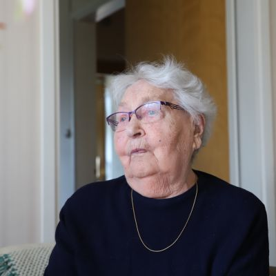 94-vuotias Lea Joutsenlahti.