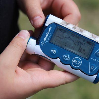 Insuliinipumppu.