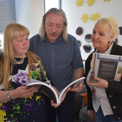 Opettajat ihastelevat kirjaa