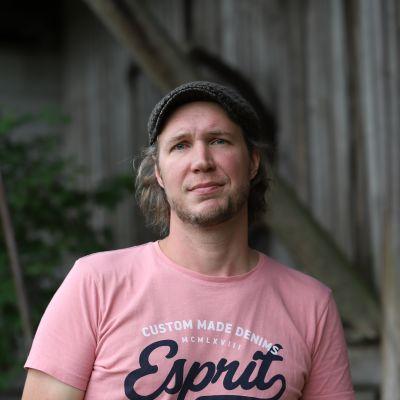 Maanviljelijä Sakari Peltola