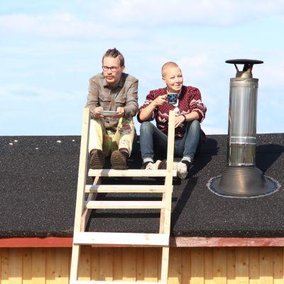 Lammaspaimenet katolla Perämeren kansallispuistossa Pensaskarin saarella.