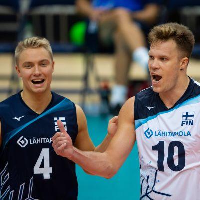Lauri Kerminen (vas.) ja Urpo Sivula
