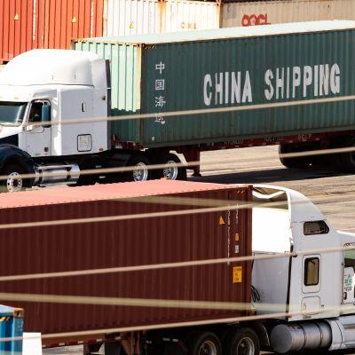 Kiinan ja Yhdysvaltojen välinen kauppasota vähentää maiden välistä konttiliikennettä. Arkistokuva Los Angelesin satamasta.