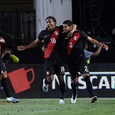 Peru juhlii Luis Abramin maalia.