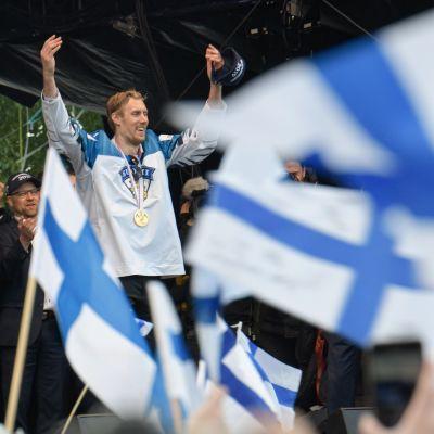 Marko Anttila, torijuhla Helsingissä 2019