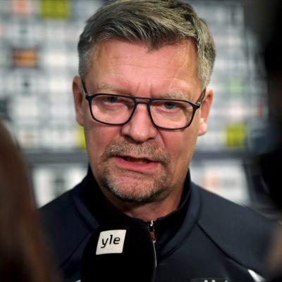 Päävalmentaja Jukka Jalonen
