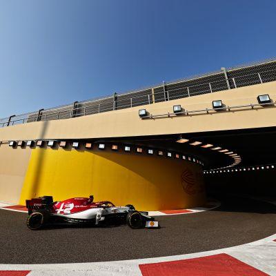 Kimi Räikkönen Abu Dhabin harjoituksissa 30.11.2019.