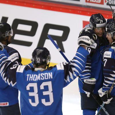 Nuoret Leijonat juhlii Ruotsia vastaan