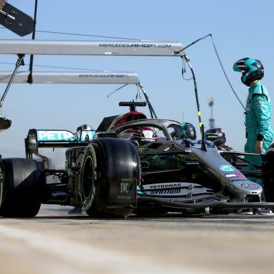 Lewis Hamilton, Barcelonan talvitestit