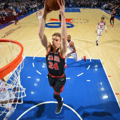 PHILADELPHIA, PA - JANUARY 17: Lauri Markkanen #24 of the Chicago Bulls dunks the ball against the Philadelphia 76ers on January 17, 2020 at the Wells Fargo Center in Philadelphia, Pennsylvania NOTE TO USER: User expressly acknowledges and agrees that, by downloading and/or using this Photograph, user is consenting to the terms and conditions of the Getty Images License Agreement. Mandatory Copyright Notice: Copyright 2020 NBAE (Photo by Jesse D. Garrabrant/NBAE via Getty Images)