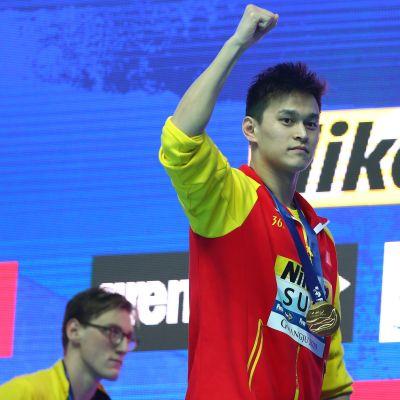 Kiinan tähtiuimari Sun Yang sai kahdeksan vuoden kilpailukiellon kieltäydyttyään yhteistyöstä kotonaan vierailleiden dopingtestaajien kanssa.