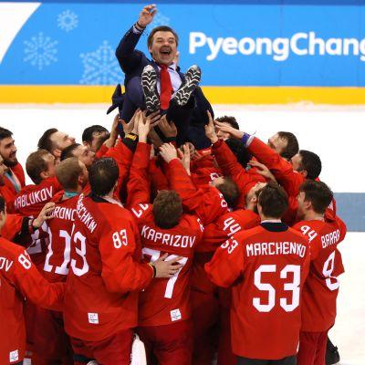 Etelä-Korean olympialaisten jääkiekkofinaali päättyi venäläisten riemujuhliin.