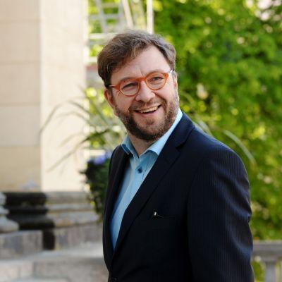 Kuvassa on liikenne- ja viestintäministeri Timo Harakka.
