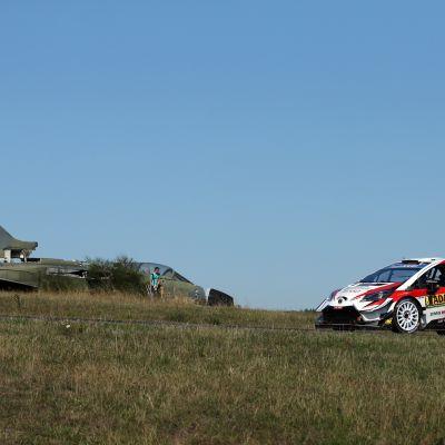 Ott Tänak ajoi Saksan MM-rallin voittoon viime vuonna Toyotalla. Nyt Tänak ajaa Hyundailla.