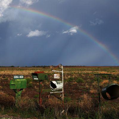 Kuvassa on sateenkaari Australiassa.