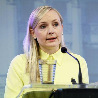 Sisäministeri Maria Ohisalo (vihr.) hallituksen tiedotustilaisuudessa Helsingissä 11. syyskuuta