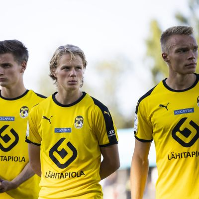 Saku Savolainen, Urho Nissilä ja Ilmari Niskanen (oik)