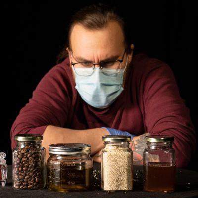 MOT vei 10 elintarviketta laboratorioon.