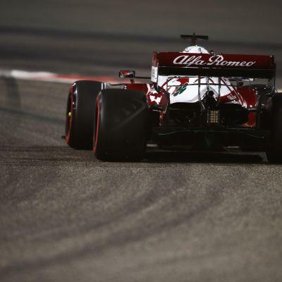 Kimi Räikkönen ja Alfa Romeo Racing Bahrainin F1-testeissä