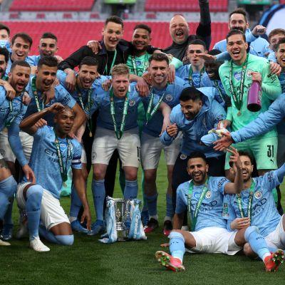 Manchester City juhlii Englannin liigacupin pokaalia - taas kerran.