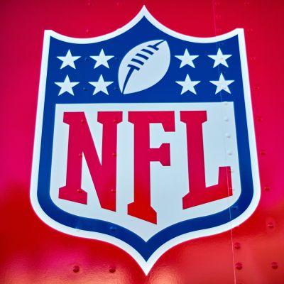 Kuvassa NFL:n logo.