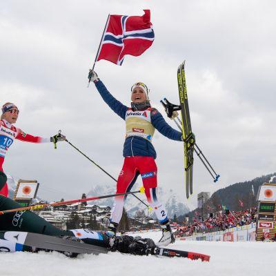 Norjalaishiihtäjä Therese Johaug (oik.) on ollut viime vuosien ylivoimaisin talviurheilija.
