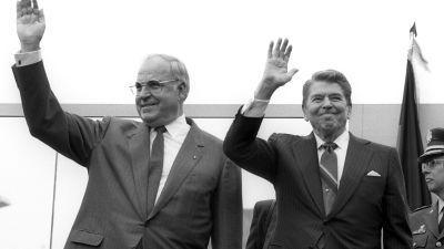 Tysklands tidigare förbundskansler Helmut Kohl och USA:s president Ronald Reagan 1987.