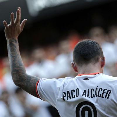 Paco Alcácer tackar för sig i Valencia och är nu definitivt klar för Barcelona.