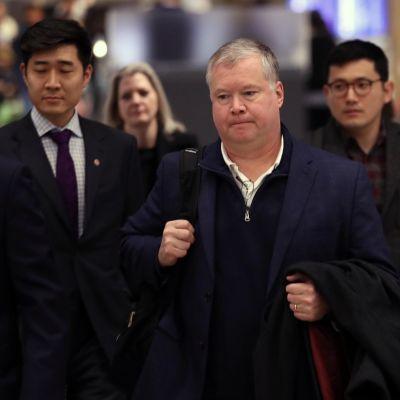 Stephen Biegun saapui Etelä-Koreaan matkalla Pohjois-Koreaan.