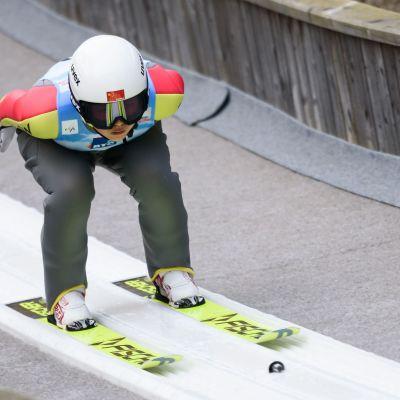 Kiina suoltaa rahaa mäkihyppyyn, jossa se toivoo menestyvänsä vuoden 2022 Pekingin talviolympiakisoissa.