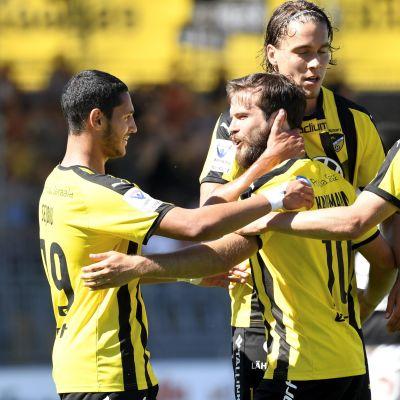 FC Hongan avausvoitto, Lucas Kaufmann