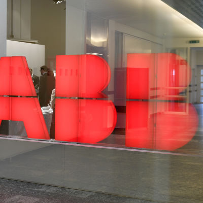 ABB:s logotyp i Schweiz i februari 2017.