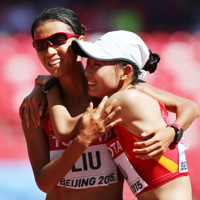 Kinesisk dubbelseger på damernas 20 km gång.