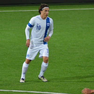 Simon Skrabb är mittfältsmotor i Finlands U21-landslag.