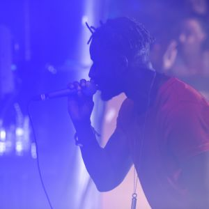 Panetoz uppträder på Börs nightclub på Glöggrundan i Åbo