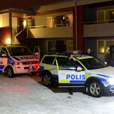 Efterlysta Mutar Muthanna Majid greps den 19 november 2015 i ett bostadshus med asylsökande i  Boliden i Skellefteå i Sverige misstänkt för förberedelse till terroristbrott.