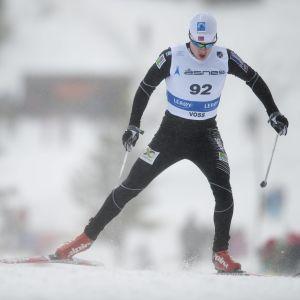 Ronny Fredrik Ansnes skidar fristil.