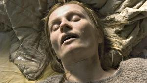 Sara Paavolainen Varpuset-tv-elokuvassa 2005.