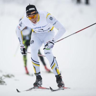 Juuso Haarala i skidspåret.