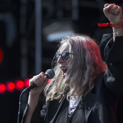 Patti Smith under en livekonsert.